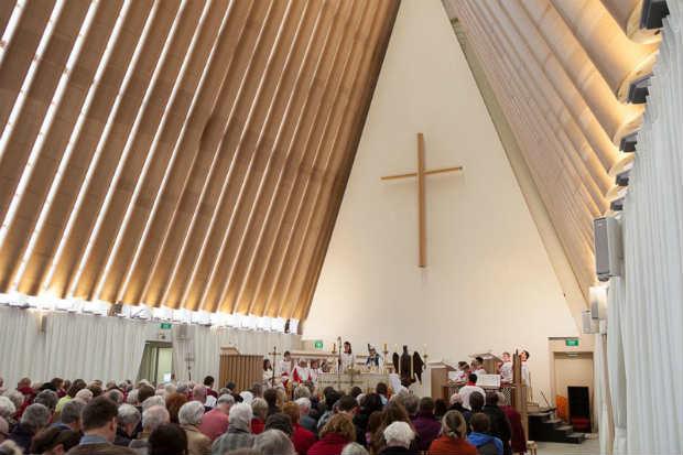 La Cattedrale di Cartone di Shigeru Ban apre i battenti a Christchurch