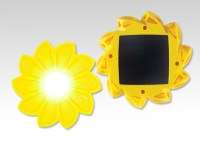 Little Sun, la lampada fotovoltaica off-grid per le comunità disagiate