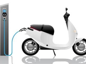 TÜV Italia aumentano gli EV a due ruote