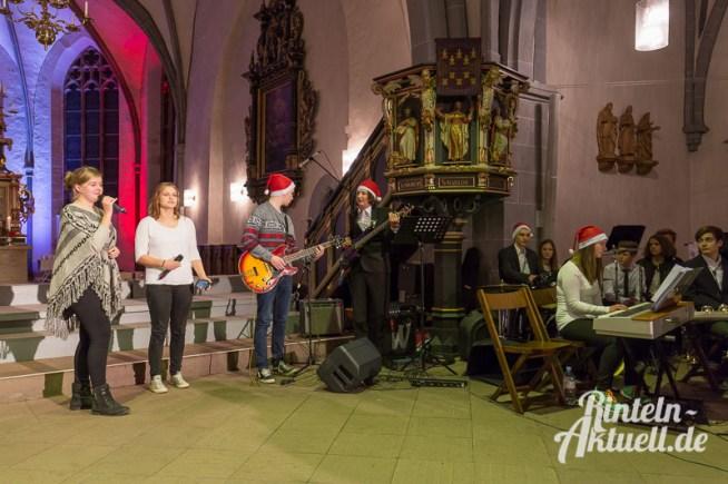 08 rintelnaktuell weihnachtskonzert ernestinum gymnasium abichor bigband blaeserklasse streicher cajon musik