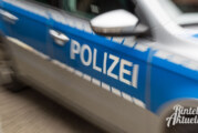 Aus dem Polizeibericht: Trinkgeldkasse gestohlen, Fahrradfahrer verletzt, Auto beschädigt