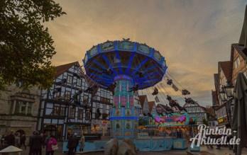04-rintelnaktuell-herbstmesse-2016-fahrgeschaefte-riesenrad-karussell-autoscooter-musikexpress-messetaler-altstadt-volare-kirmes-rummel-jahrmarkt-weserbergland-schaumburg