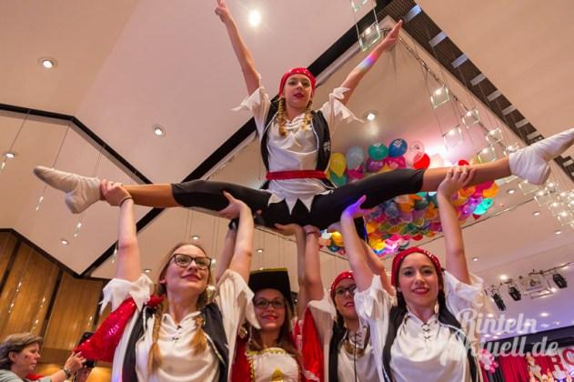 12 rintelnaktuell rcv carnevalsverein kinderkarneval 2017 konfetti schminken party