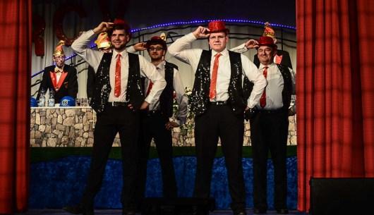 13 rintelnaktuell prunksitzung rcv karnevalsparty 18.2.17 brueckentorsaal helau rinteln im stau