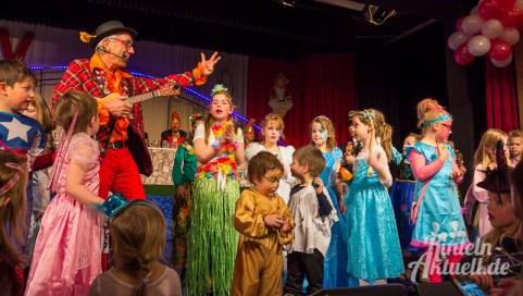 13 rintelnaktuell rcv carnevalsverein kinderkarneval 2017 konfetti schminken party