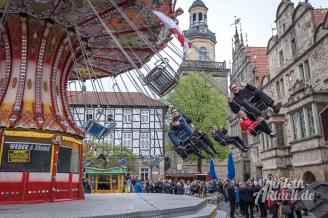 06 rintelnaktuell 625 jahre messe maimesse riesenrad autoscooter kettenkarussell musikexpress 2017 marktplatz kirchplatz altstadt eroeffnung