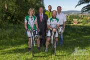 Radsportler aus Krankenhagen fahren mit neuen Trikots von Volksbank und Stadtwerken