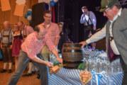 Rintelner Oktoberfest: Mit Gerstensaft, Gaudi und Gesang bis in die Nacht gefeiert
