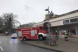 Feuerwehreinsatz: Brandgeruch im Woolworth