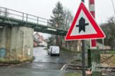 """PKW-Unterboden in Gefahr: """"Wann wird Bahnübergang im Galgenfeld entschärft?"""""""