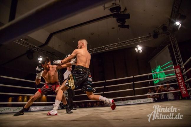 03 rintelnaktuell profiboxen piergiulio ruhe sport brueckentorsaal boxring event waru kampf gegner runden