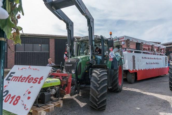 19 rintelnaktuell ernteumzug moellenbeck ernte dorfgemeinschaftsfest erntewagen 2018