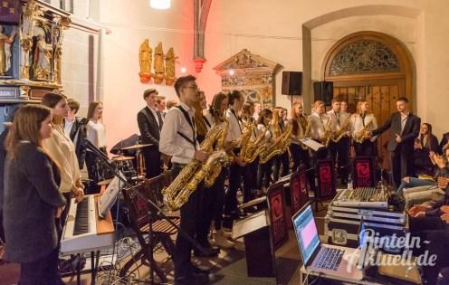 41 rintelnaktuell weihnachtskonzert gymnasium ernestinum nikolaikirche 2018 advent bigband abichor musici ernesti ensemble musik