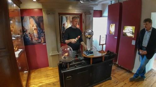 03 rintelnaktuell vgh museum eulenburg ausstellung elektrizitaet franklin experimente 28-3-19