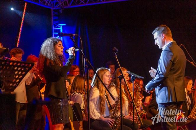 20 rintelnaktuell ernies hausband ernestinum bigband jahreskonzert jazz rock 2019 aula gymnasium musik