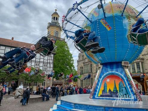 07 rintelnaktuell rintelner maimesse 2019 karussell fahrgeschaefte kirmes altstadt innenstadt jahrmarkt tradition