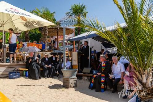 05 rintelnaktuell tauffest weser kirchengemeinden 2019 bodega beach club wasser fluss pastoren strand palmen sand taufe christlich