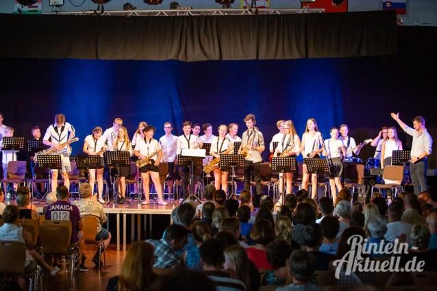 11 rintelnaktuell blaeserklasse swing kids orchester musik gymnasium ernestinum sommerbuehne 25-6-19