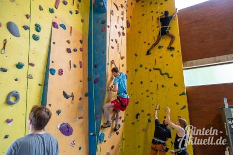 20 rintelnaktuell kerlgesund maennersporttag bkk24 kreissportbund ksb fitness modern arnis bootcamp kanu klettern bewegung aktion 22.6.19