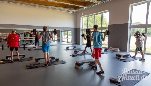 31 rintelnaktuell kerlgesund maennersporttag bkk24 kreissportbund ksb fitness modern arnis bootcamp kanu klettern bewegung aktion 22.6.19