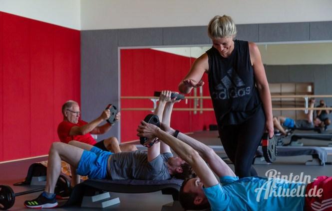 37 rintelnaktuell kerlgesund maennersporttag bkk24 kreissportbund ksb fitness modern arnis bootcamp kanu klettern bewegung aktion 22.6.19