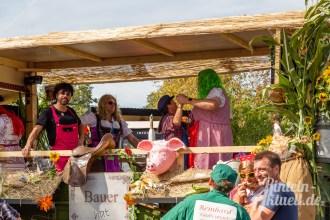 04 rintelnaktuell moellenbeck erntefest 2019 erntewagen ernteumzug dorf feier party