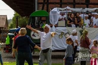 48 rintelnaktuell moellenbeck erntefest 2019 erntewagen ernteumzug dorf feier party