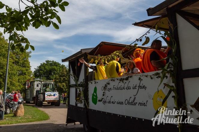 74 rintelnaktuell moellenbeck erntefest 2019 erntewagen ernteumzug dorf feier party