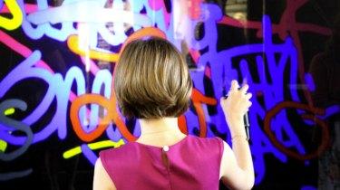 Le Digitag, ou graffiti numérique, est la meilleure animation digitale, créative, participative étonnante et ludique qui permet de divertir votre public tout en communiquant sur votre marque ou produit. digitag, digitale,riofluo, live painting, street-art, france, graffiti, art urbain, peinture, performance, ile de france, artistique, artiste, graffeur