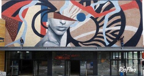 Nos artistes aiment les grosses surfaces, la réciproque est à légale de leur talent, professionnalisme et leur créativité. Nous vous proposons une diversité d'artistes qui vous raviront, Riofluo gère la production pour que l'artiste laisse libre court à la réalisation d'une fresque d'envergure et marquante pour que les murs deviennent des œuvres d'art à grande échelle !