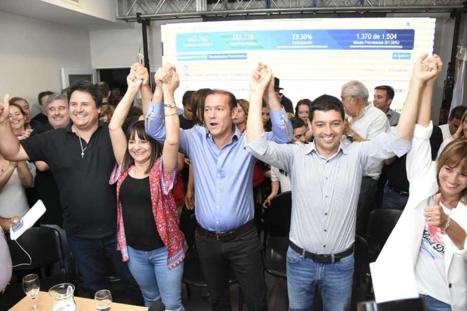 Omar Gutiérrez renovó su mandato por cuatro años. Su vice tendrá que esperar hasta el 10 de diciembre para ocupar su cargo. (Florencia Salto).-