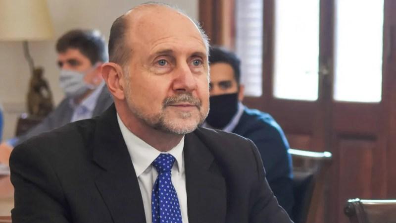 Se encontraba aislado en su domicilio desde hacía 10 días, luego de viajar a Río Negro junto al ministro de Seguridad provincial.
