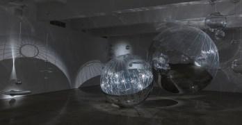 Tomas Saraceno's Literally Uplifting <i>Solar Rhythms</i>