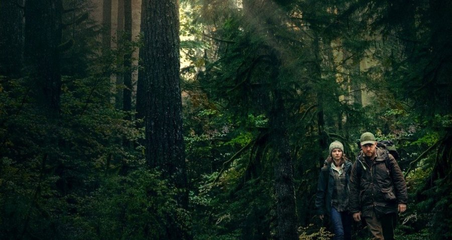 Thomasin McKenzie and Ben Foster in Leave No Trace