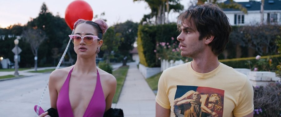 Grace Van Patten and Andrew Garfield in Under The Silver Lake