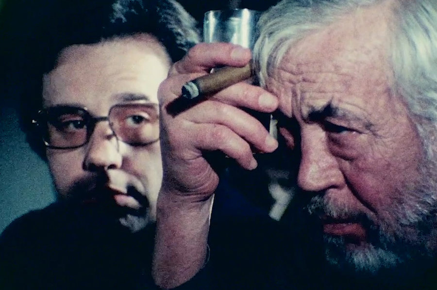 Peter Bogdanovich and John Huston in Orson Welles The Other Side of the Wind.