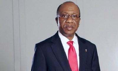 CBN succumbs, reduces dollar exchange rate