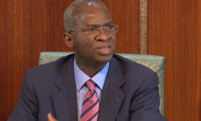 Fashola hits back on DISCOs, says consumers want better service