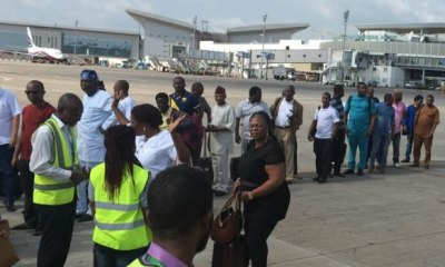 MMA1 PICKETING Airlines seek alternatives to bypass unions, airlift passengers