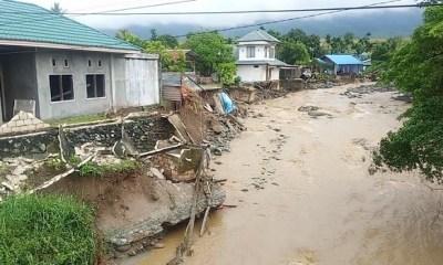 107 dead in Indonesia's flash floods, 93 still missing