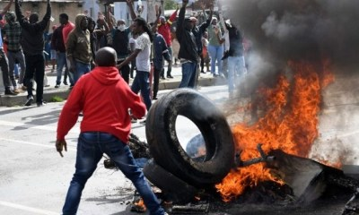XENOPHOBIC ATTACKS: Group vows to hit South Africans in Nigeria, wants Nigerian govt to react
