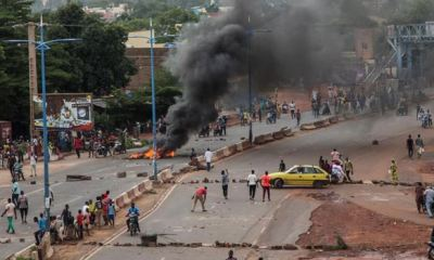 Mali opposition protesting in Bamako