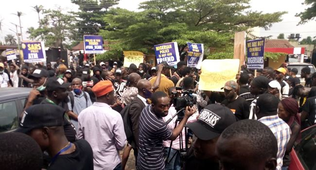 #ENDSARS: Protests gain momentum as angry Nigerians spend second night at Lagos govt house