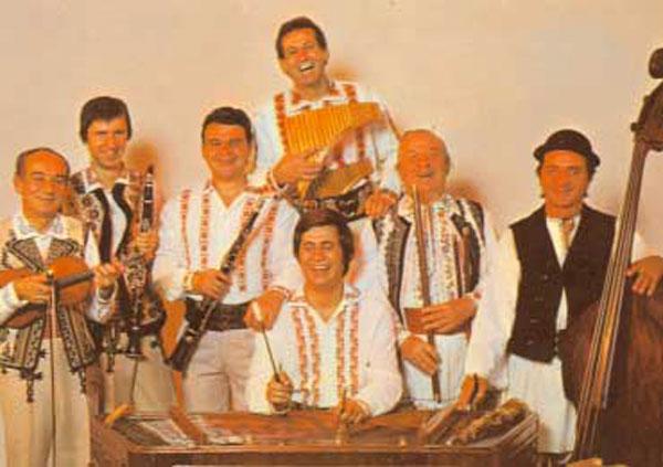 Gheorghe Zamfir şi orchestra lui au fost oaspeţii Vârşeţului în anul 1979