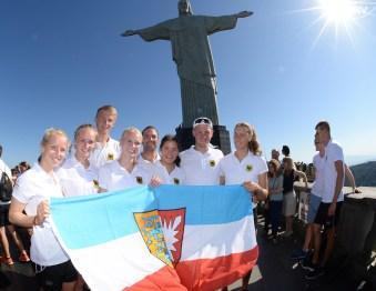 Team aus Schleswig-Holstein mit Trainer Marc Swienty. Foto: Deutscher Ruderverband/Seyb
