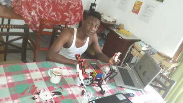 Bobai-Ephraim-Kato-24-yr-old-Nigerian-Software-Engineer-builds-Artificial-Intelligence-robot-at-Sri-Lankan-University-1-