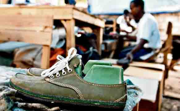 sole-rebels-shoes-made-of-tyres