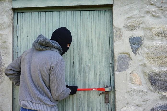 Slachtoffers woninginbraak voelen zich ook buitenshuis onveiliger