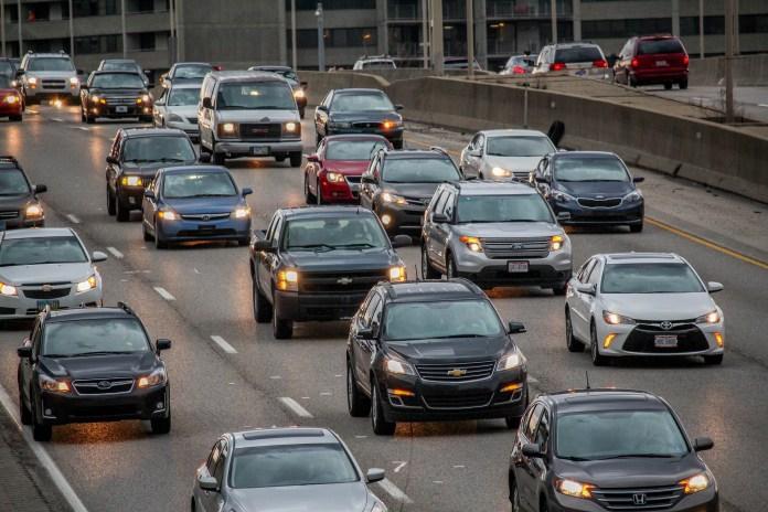 Helft Nederlanders heeft geen idee van eigen risico bij autoschade; grote groep autobezitters ook niet bewust van beperkte keuze schadeherstelbedrijven