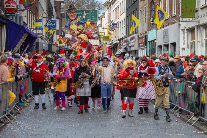 Inbrekers vieren feest tijdens carnaval met 72% meer inbraken in de grote steden; In 't Kielegat en Mestreech tijdens carnaval de grootste piek
